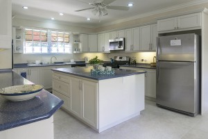 large-kitchen-with-modern-appliances